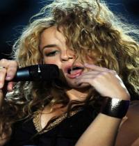 TuneWAP Shakira Performance